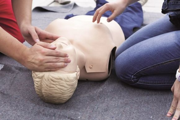 First aid in the workplace – 5 things you should consider